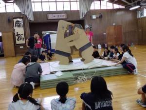 大型紙相撲